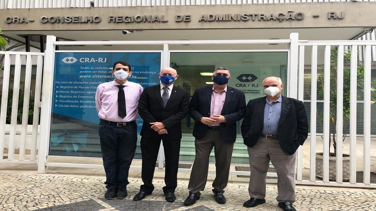 Representantes do CRA-PA realizam visita técnica na sede do CRA-RJ