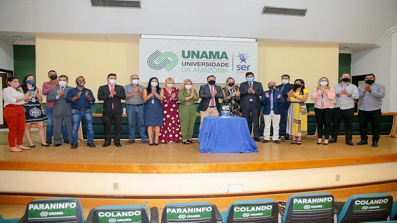 Sessão solene na Câmara Municipal de Ananindeua homenageia os profissionais de Administração